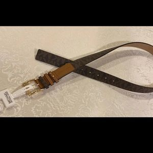 NWT AUTHENTIC Michael Kors Logo Belt✨